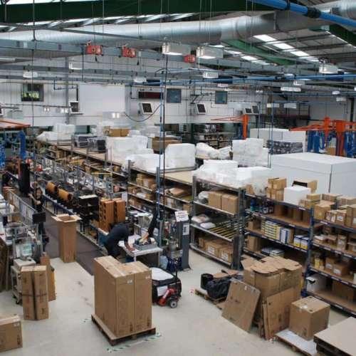 Bowers-Wilkins-fabriek-bovenaf