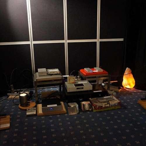 Onder meer transmission luidsprekers en Metrum Acoustics.