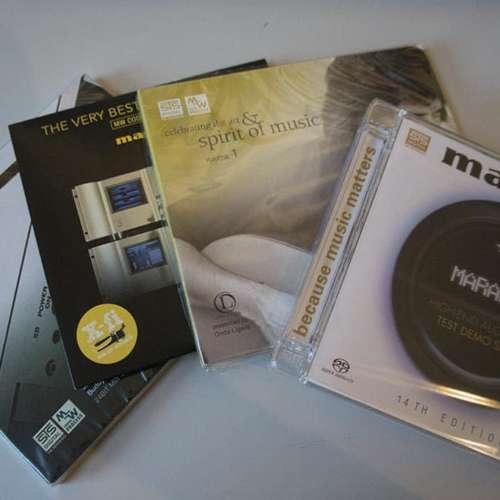 Enkele cd's van STS Digital