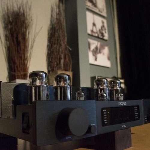 De Octave V80 versterker die STS gebruikt