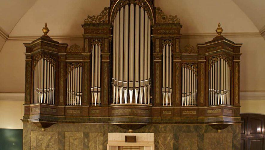 Luister eens naar een high-end kerkorgel