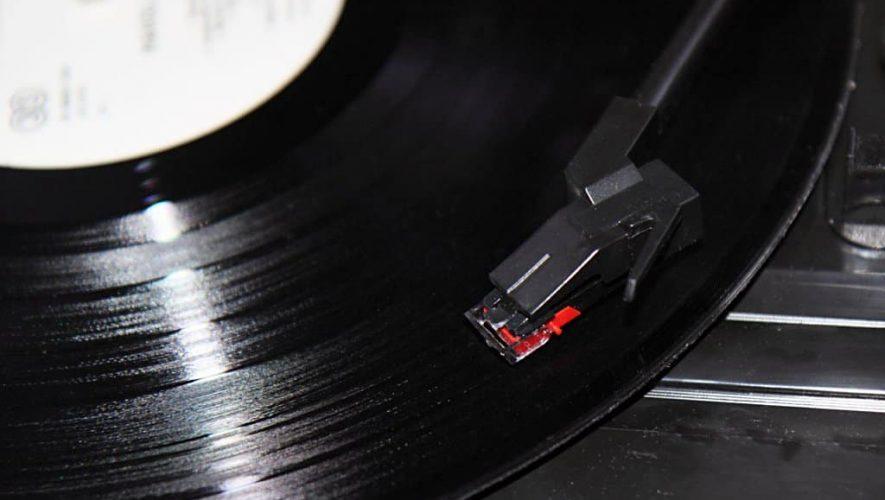HD Vinyl kan afgespeeld worden op elke standaard platenspeler