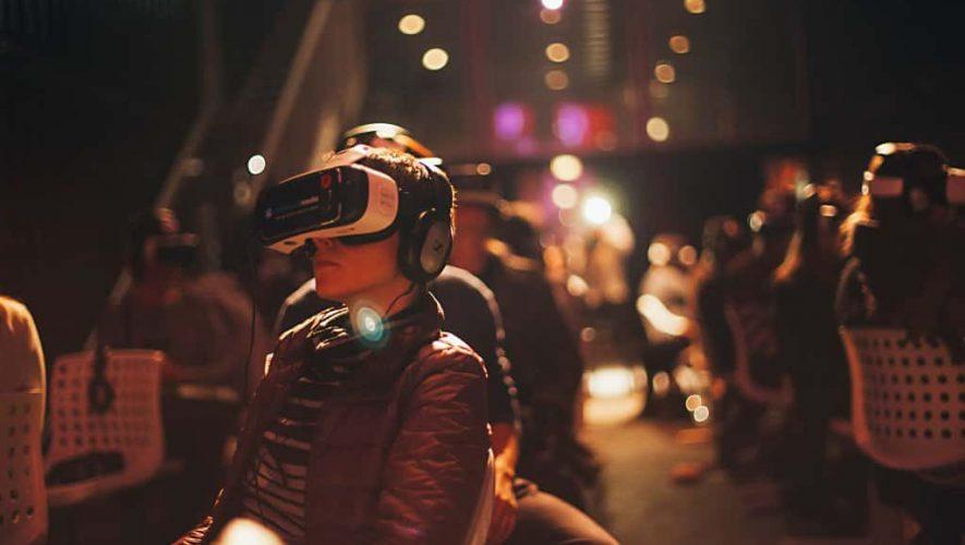 Een blik in de gloednieuwe virtual reality bioscoop in Amsterdam