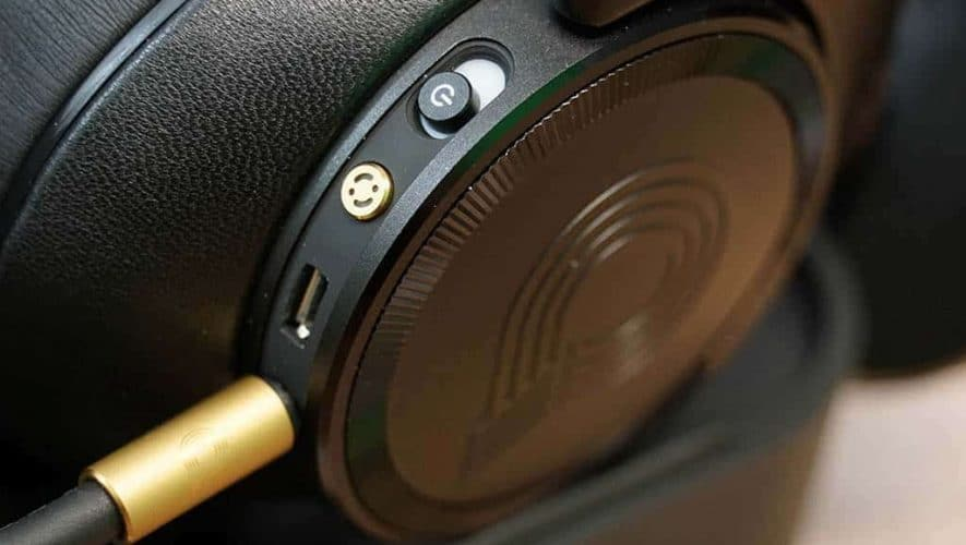 AKG N90