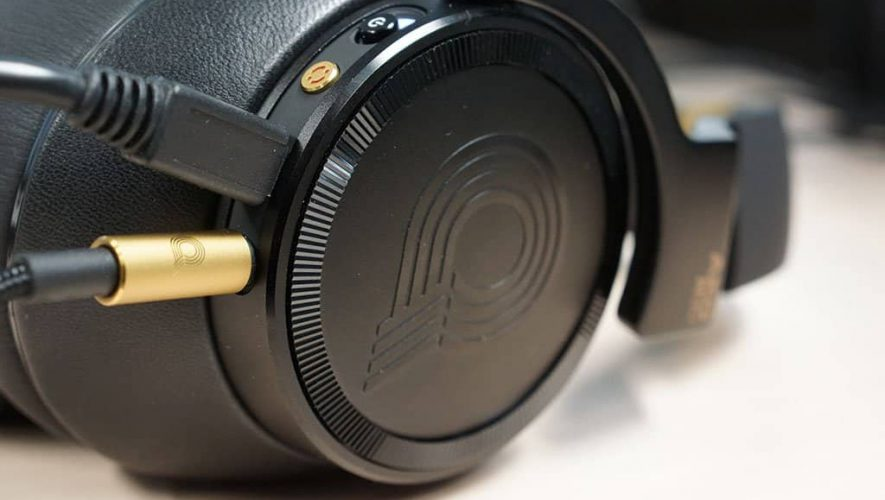 AKG N90 hoofdtelefoon