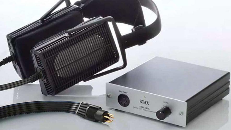 Een elektrostatische hoofdtelefoon van Stax inclusief bijbehorende versterker
