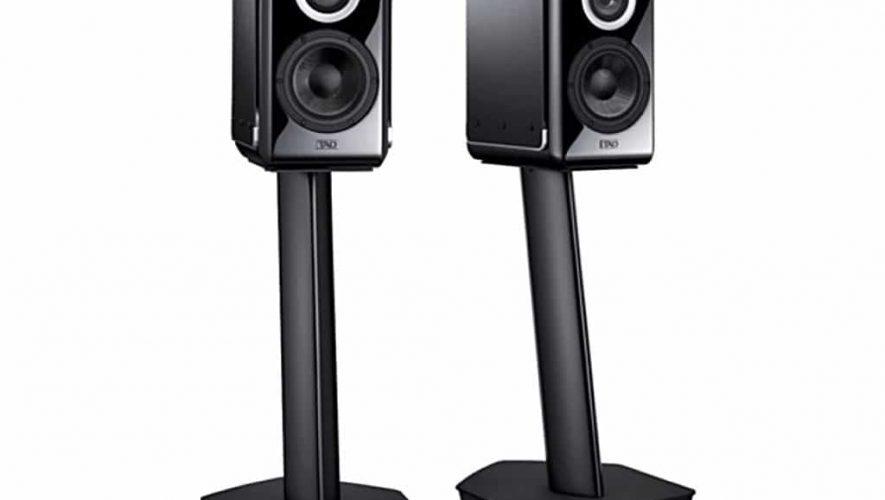 De nieuwe TAD-speakers op de bijbehorende voet