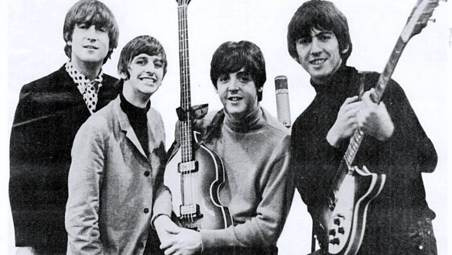 Sgt. Pepper's Lonely Hearts Club Band van de Beatles wordt 50 jaar en verschijnt in een compleet nieuwe versie (bron afbeelding: https://commons.wikimedia.org/wiki/File:Beatles_ad_1965_just_the_beatles_crop.jpg)