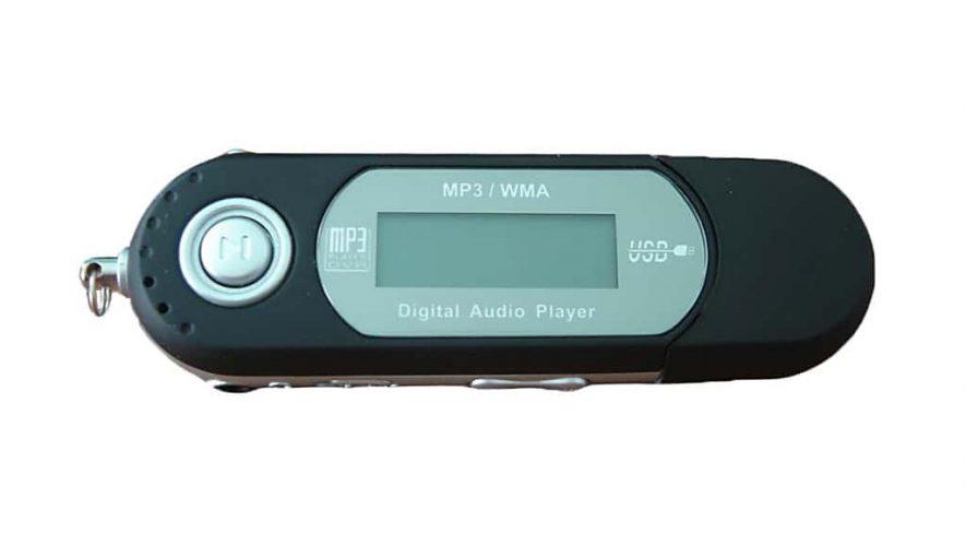 MP3-spelers kosten tegenwoordig een habbekrats (bron afbeelding: https://commons.wikimedia.org/wiki/File:S1_mp3_player_example-edit.png)