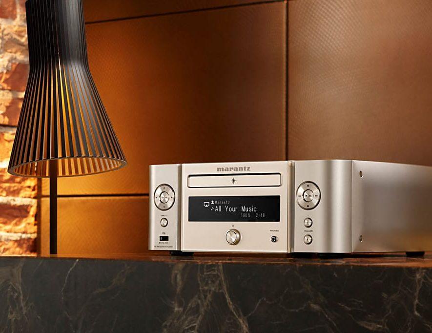 De Marantz Melody Media M-CR611 is leverbaar in verschillende kleursettings, waaronder nu ook zilver-goud