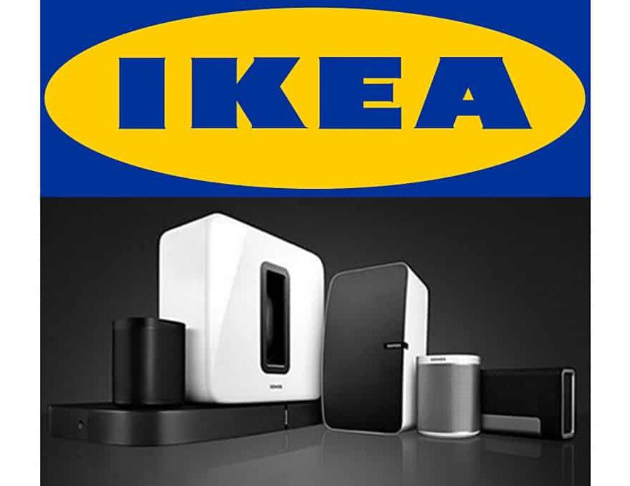 Sonos en IKEA werken samen aan iets op het vlak van geluid in huis (bron afbeelding IKEA-logo: https://commons.wikimedia.org/wiki/File:Ikea_logo.svg)
