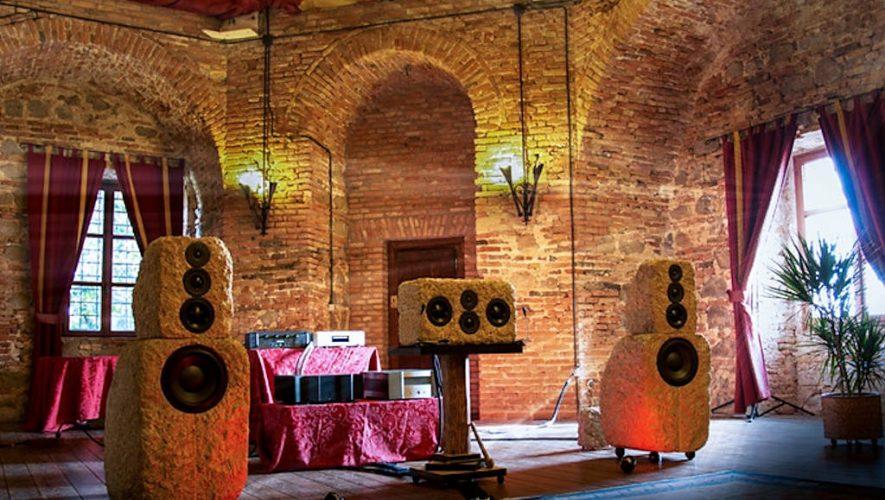 De stenen speakers van Italiaanse makelij zien er alvast mooi uit