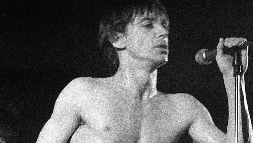 Iggy Pop tijdens een concert in Paradiso in 1979. Foto: Martijn de Jonge