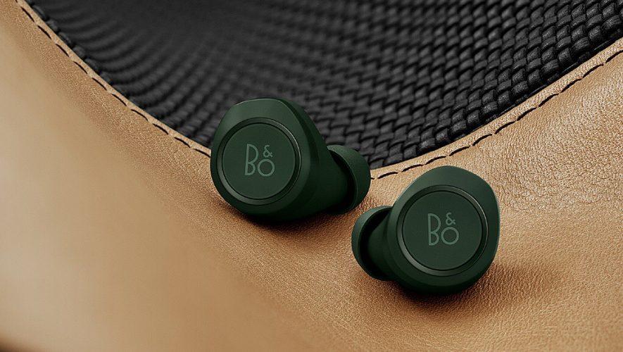 De Beoplay E8 Special Edition in Racing Green van Bang & Olufsen