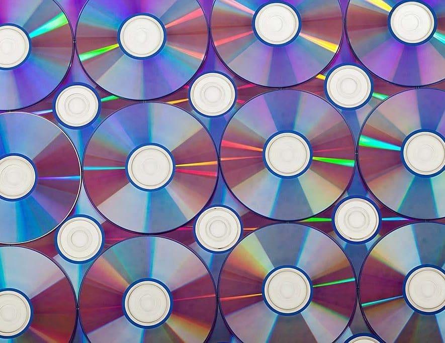 Samsung stopt met Blu-ray (bron afbeelding: https://pixabay.com/nl/achtergrond-blu-ray-leeg-branden-72143/)